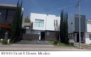 Casa En Rentaen Queretaro, El Refugio, Mexico, MX RAH: 19-2298
