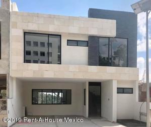 Casa En Ventaen Atizapan De Zaragoza, Residencial Lago Esmeralda, Mexico, MX RAH: 19-2326