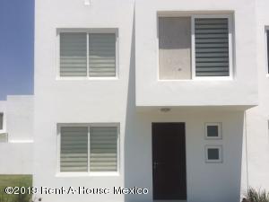 Casa En Ventaen Corregidora, El Pueblito, Mexico, MX RAH: 19-2336