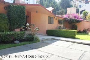 Casa En Rentaen Huixquilucan, Bosques De La Herradura, Mexico, MX RAH: 19-2349
