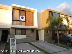 Casa En Rentaen Queretaro, El Refugio, Mexico, MX RAH: 19-2354