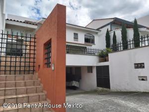 Casa En Rentaen Huixquilucan, Villa Florence, Mexico, MX RAH: 19-2385