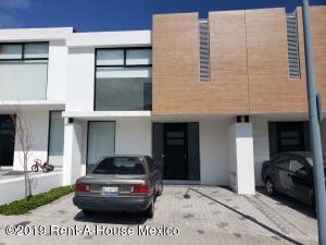 Casa En Rentaen Queretaro, El Refugio, Mexico, MX RAH: 19-2392