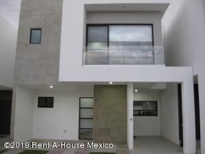 Casa En Ventaen Queretaro, Altos De Juriquilla, Mexico, MX RAH: 19-2400