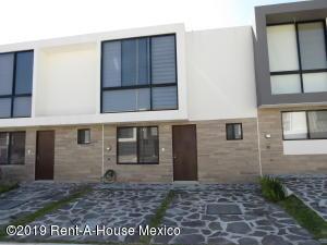 Casa En Rentaen Queretaro, El Refugio, Mexico, MX RAH: 19-2405