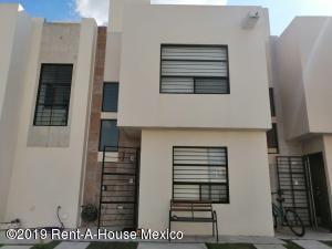 Casa En Ventaen El Marques, Rincones Del Marques, Mexico, MX RAH: 19-2415