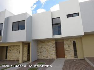 Casa En Rentaen Queretaro, El Refugio, Mexico, MX RAH: 19-2439