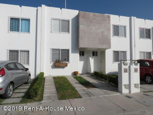 Casa En Ventaen Queretaro, Vinedos, Mexico, MX RAH: 19-2458