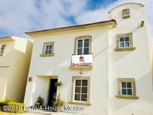 Casa En Rentaen Queretaro, Cumbres Del Lago, Mexico, MX RAH: 19-2462