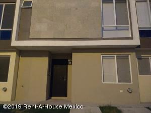 Casa En Rentaen El Marques, Zakia, Mexico, MX RAH: 20-55