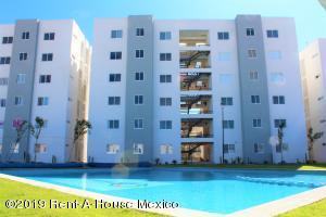 Departamento En Ventaen Corregidora, Los Candiles, Mexico, MX RAH: 20-63