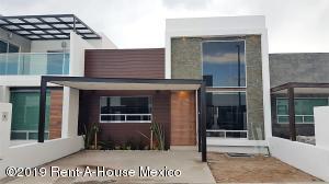 Casa En Ventaen Corregidora, El Roble, Mexico, MX RAH: 20-115