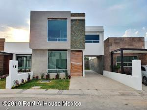 Casa En Ventaen Corregidora, El Roble, Mexico, MX RAH: 20-117