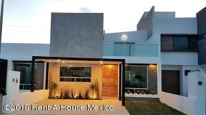 Casa En Ventaen Corregidora, El Roble, Mexico, MX RAH: 20-118