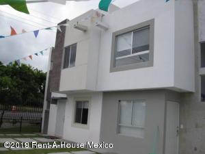 Casa En Ventaen El Marques, Rincones Del Marques, Mexico, MX RAH: 20-195