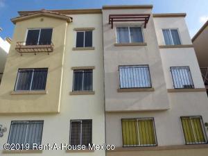 Departamento En Ventaen El Marques, Rincones Del Marques, Mexico, MX RAH: 20-339