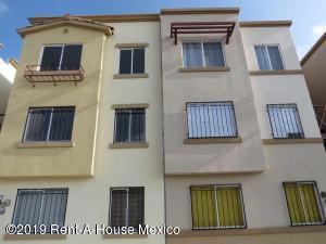 Departamento En Ventaen El Marques, Rincones Del Marques, Mexico, MX RAH: 20-344