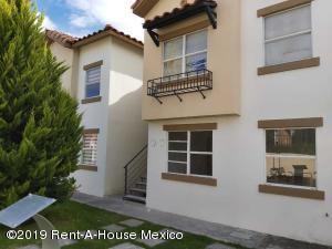 Departamento En Ventaen El Marques, Rincones Del Marques, Mexico, MX RAH: 20-345