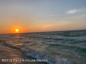 Terreno En Ventaen Merida, Chuburna Puerto, Mexico, MX RAH: 20-397
