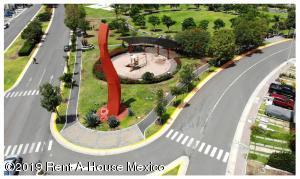 Terreno En Ventaen Queretaro, El Mirador, Mexico, MX RAH: 20-435