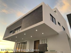 Casa En Ventaen Corregidora, Ampliacion Huertas Del Carmen, Mexico, MX RAH: 20-448
