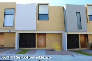 Casa En Rentaen El Marques, Zibata, Mexico, MX RAH: 20-460