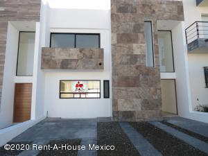 Casa En Ventaen Queretaro, San Isidro Juriquilla, Mexico, MX RAH: 20-470