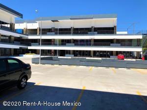 En Rentaen Queretaro, El Refugio, Mexico, MX RAH: 20-469