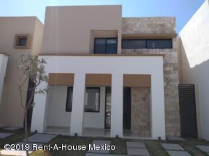 Casa En Ventaen Corregidora, Canadas Del Arroyo, Mexico, MX RAH: 20-559