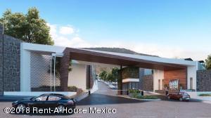 Casa En Ventaen El Marques, Zibata, Mexico, MX RAH: 20-840