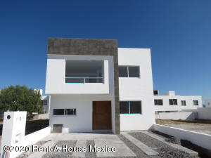 Casa En Ventaen Queretaro, San Isidro Juriquilla, Mexico, MX RAH: 20-848