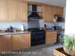 Casa En Rentaen Huixquilucan, Villa Florence, Mexico, MX RAH: 20-854