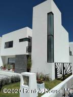 Casa En Ventaen Queretaro, Cimatario, Mexico, MX RAH: 20-882