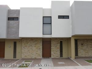 Casa En Rentaen Queretaro, El Refugio, Mexico, MX RAH: 20-885