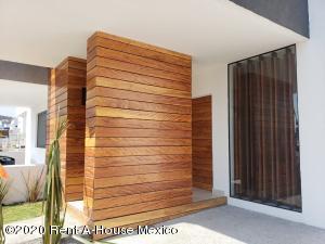 Casa En Ventaen Queretaro, Cumbres Del Lago, Mexico, MX RAH: 20-905