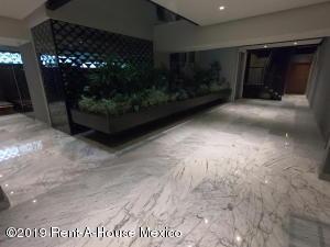 Departamento En Ventaen Miguel Hidalgo, Polanco, Mexico, MX RAH: 20-968