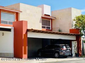 Casa En Ventaen Queretaro, Mision Conca, Mexico, MX RAH: 20-991