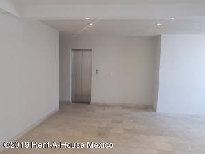 Departamento En Rentaen Huixquilucan, Hacienda De Las Palmas, Mexico, MX RAH: 20-1019