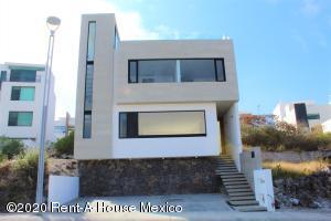Casa En Ventaen El Marques, Zibata, Mexico, MX RAH: 20-1023