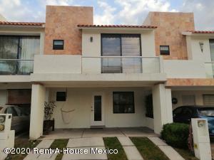 Casa En Rentaen Queretaro, El Mirador, Mexico, MX RAH: 20-1051