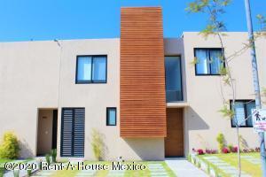 Casa En Ventaen Queretaro, Juriquilla, Mexico, MX RAH: 20-1102