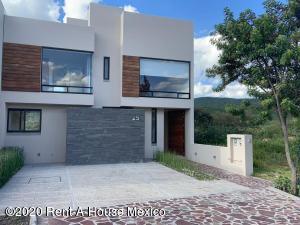 Casa En Rentaen Queretaro, Altozano, Mexico, MX RAH: 20-1124