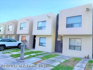 Casa En Rentaen Queretaro, Sonterra, Mexico, MX RAH: 20-1138