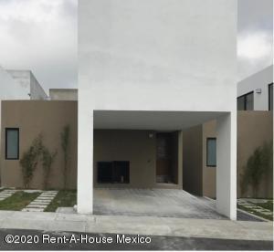 Casa En Rentaen El Marques, Zibata, Mexico, MX RAH: 20-1153