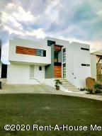 Casa En Ventaen El Marques, Zibata, Mexico, MX RAH: 20-1157