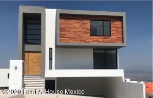 Casa En Ventaen El Marques, Zibata, Mexico, MX RAH: 20-1162