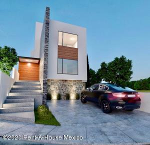 Casa En Ventaen El Marques, Zibata, Mexico, MX RAH: 20-1163