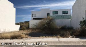 Terreno En Ventaen El Marques, Zibata, Mexico, MX RAH: 20-1166