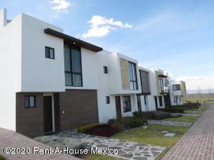 Casa En Ventaen El Marques, Zibata, Mexico, MX RAH: 20-1280