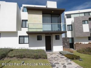 Casa En Ventaen El Marques, Zibata, Mexico, MX RAH: 20-1286